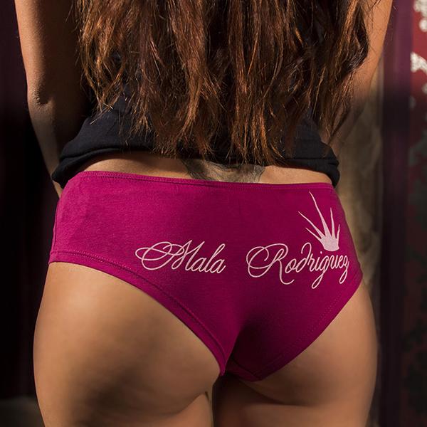 braguita rosa de Mala Rodríguez