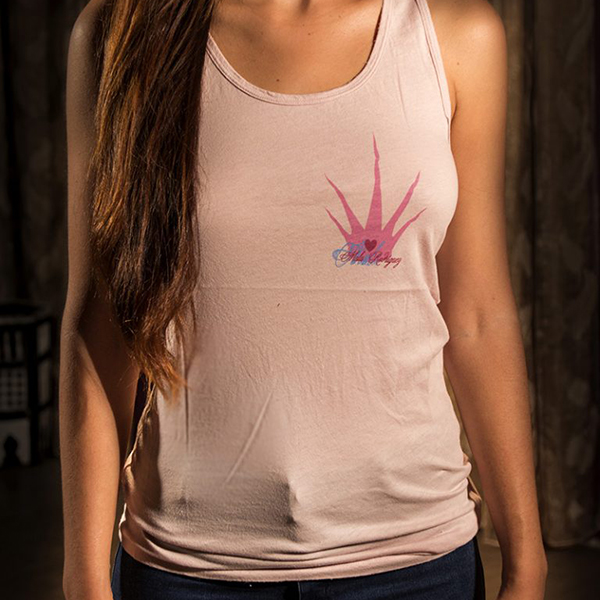camiseta tirantes rosa de Mala Rodríguez.